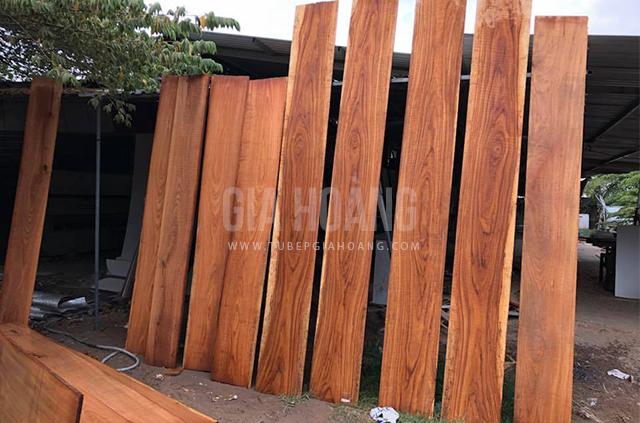 Chế biến gỗ Căm Xe tự nhiên làm tủ bếp