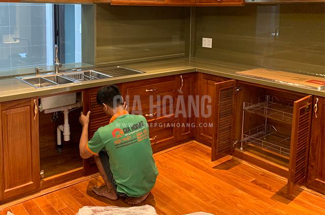 Đội thợ thi công tủ bếp Gia Hoàng